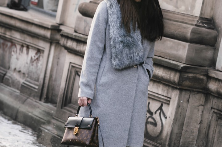 Look of the day / grey cashmere coat